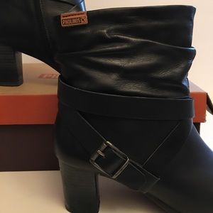 PIKOLINOS Vienna black ankle boot